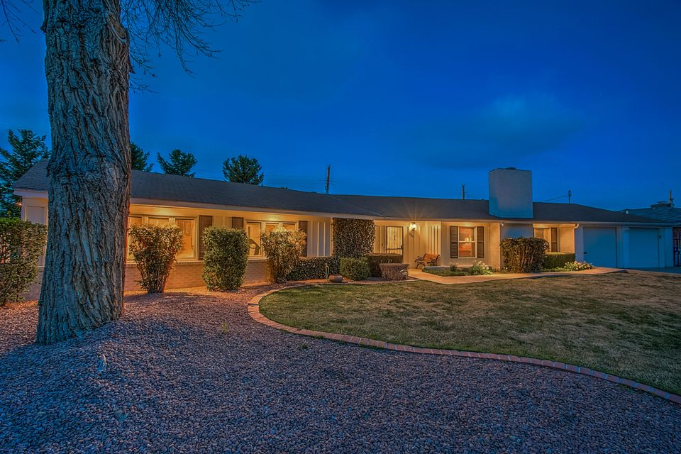 1719 Chacoma Place SW, Albuquerque, NM 87104