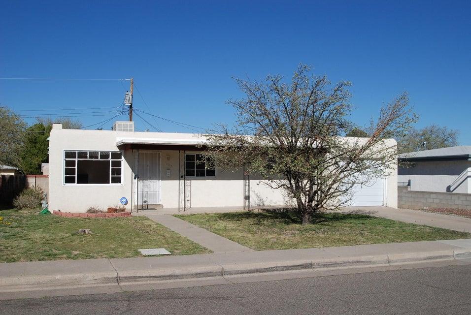 3217 Valencia Drive NE, Albuquerque, NM 87110