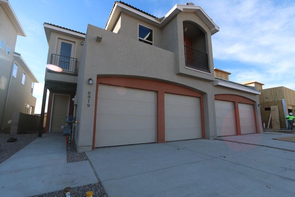 6923 Papaya Place NE, Albuquerque, NM 87109