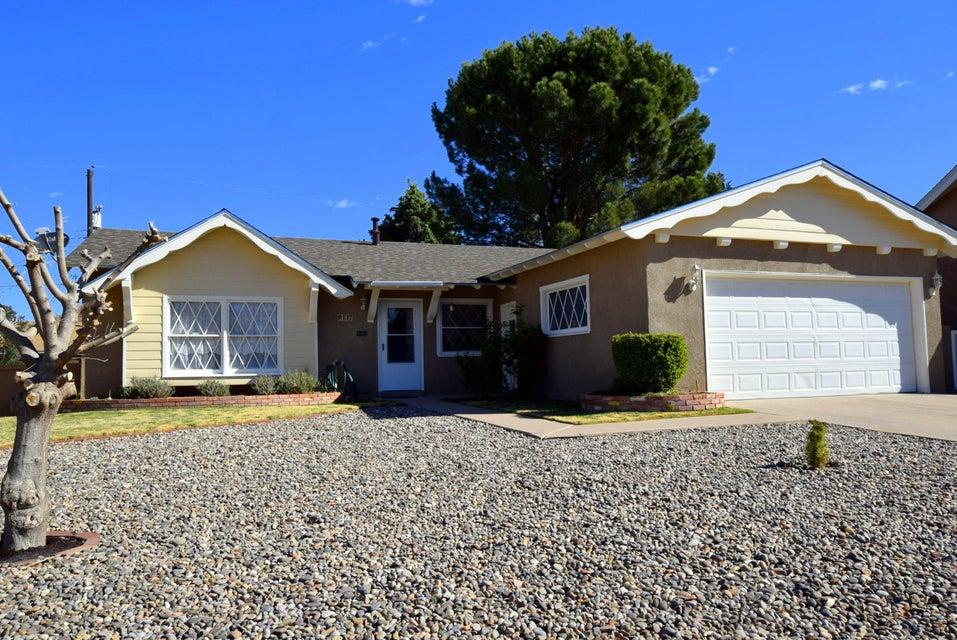 9117 Princess Jeanne Avenue NE, Albuquerque, NM 87110