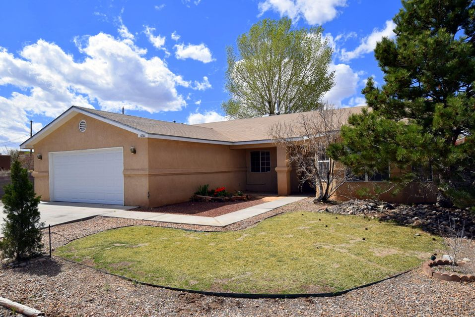4844 Dodge Avenue NW, Albuquerque, NM 87114