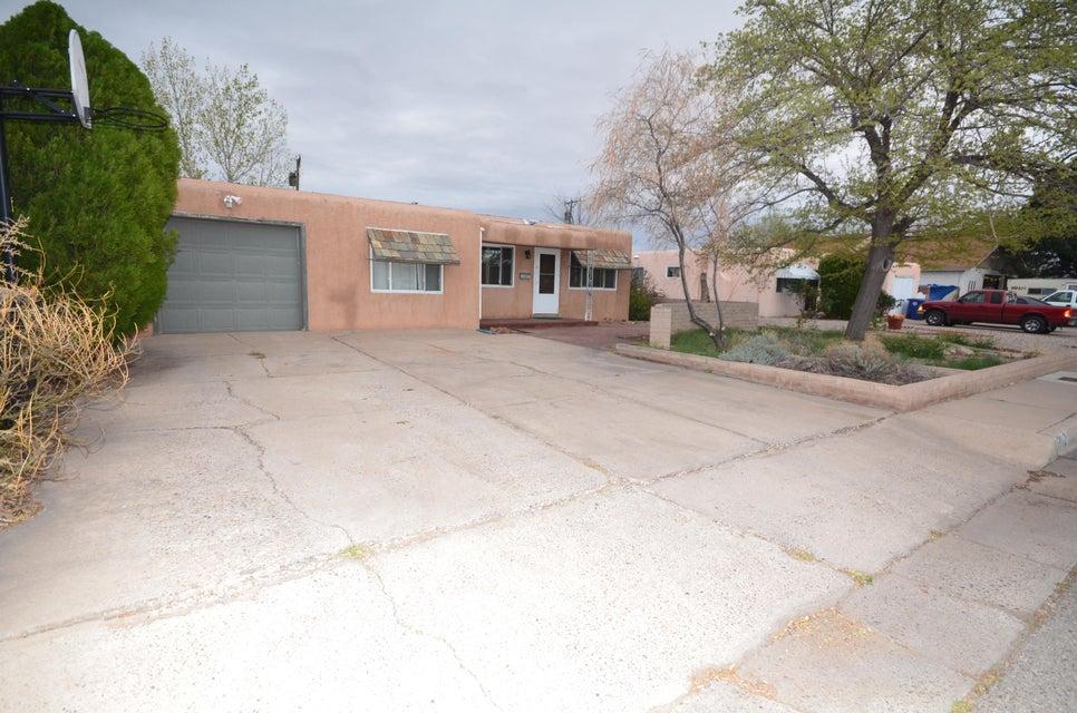 1712 Cagua Drive NE, Albuquerque, NM 87110