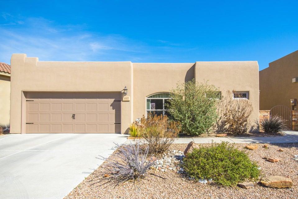 1327 Valle Lane NW, Albuquerque, NM 87107