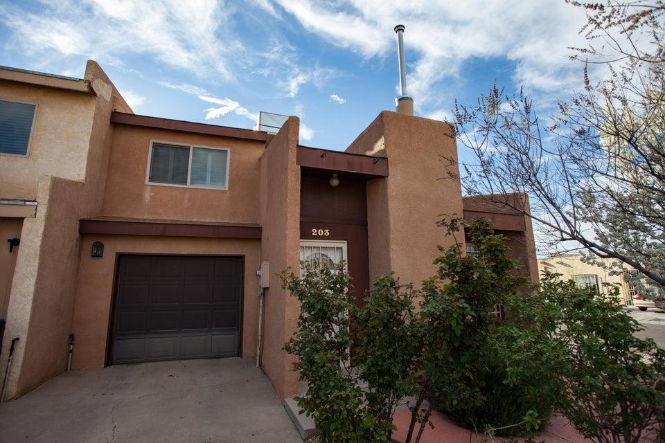 203 Shawnee Court SE, Albuquerque, NM 87108