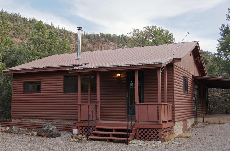 58 Pinon Road, Jemez Springs, NM 87025