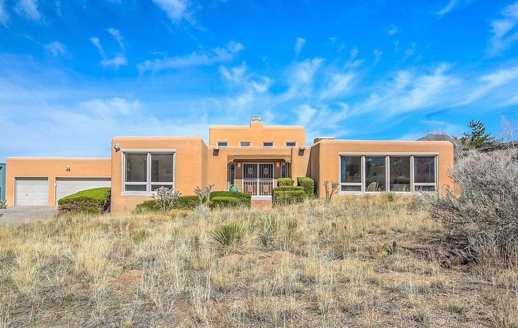 650 Cougar Loop NE, Albuquerque, NM 87122