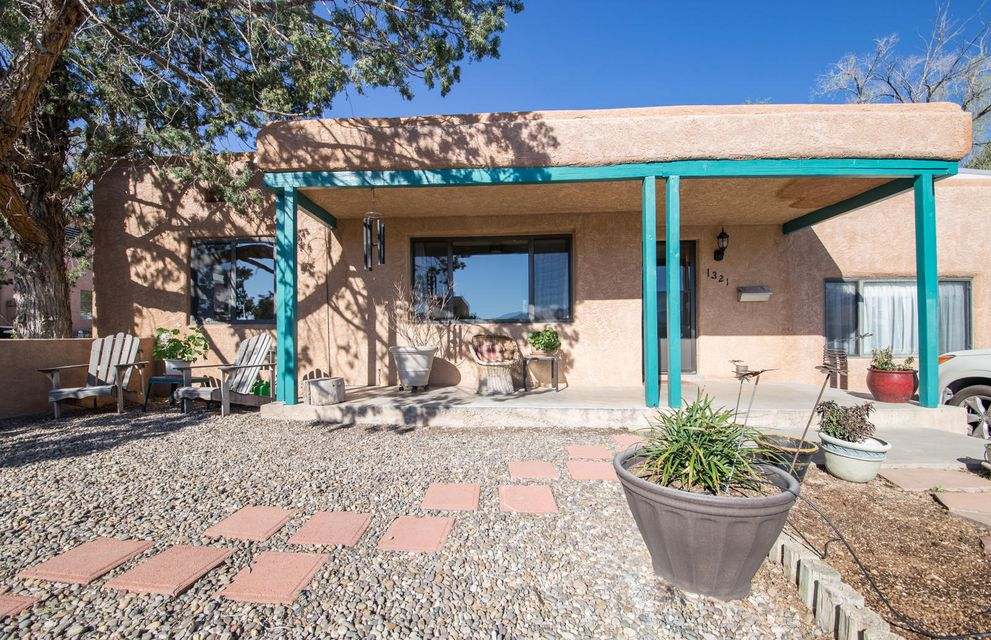 1321 Lobo Place NE, Albuquerque, NM 87106