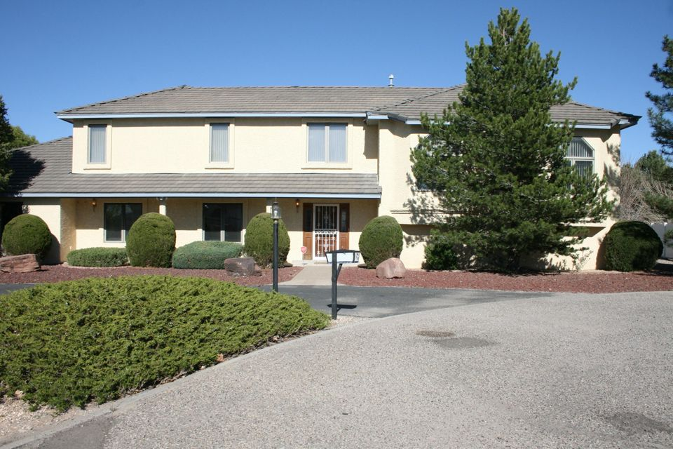 607 Willowbrook Lane, Belen, NM 87002