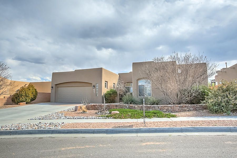 5008 Sevilla Avenue NW, Albuquerque, NM 87120