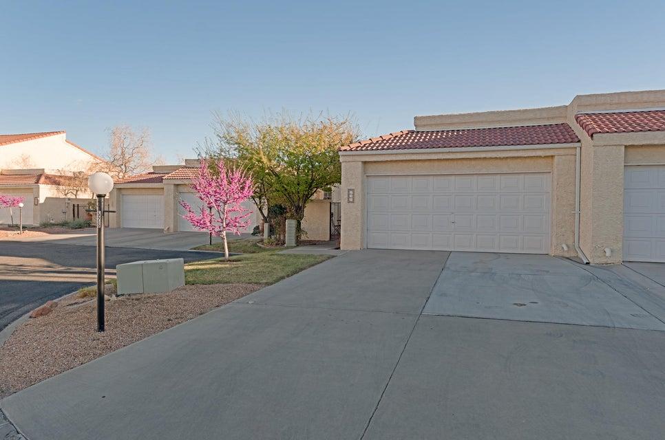 526 Eastlake Drive SE, Rio Rancho, NM 87124