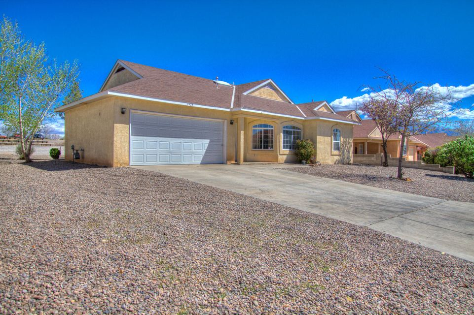 7425 Mackenzie Drive NE, Rio Rancho, NM 87144
