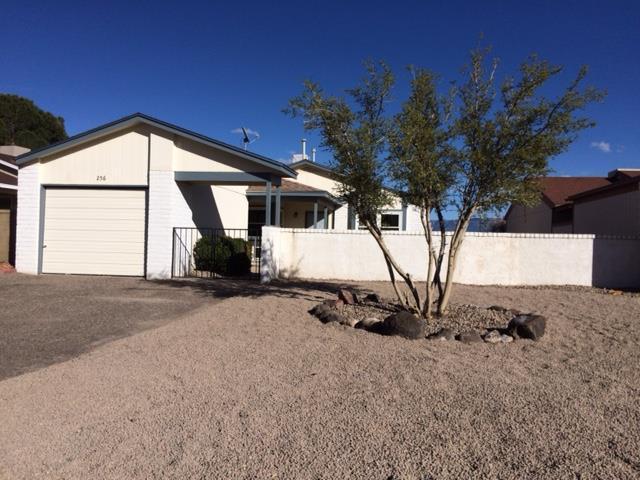 256 Pearl Drive NE, Rio Rancho, NM 87124