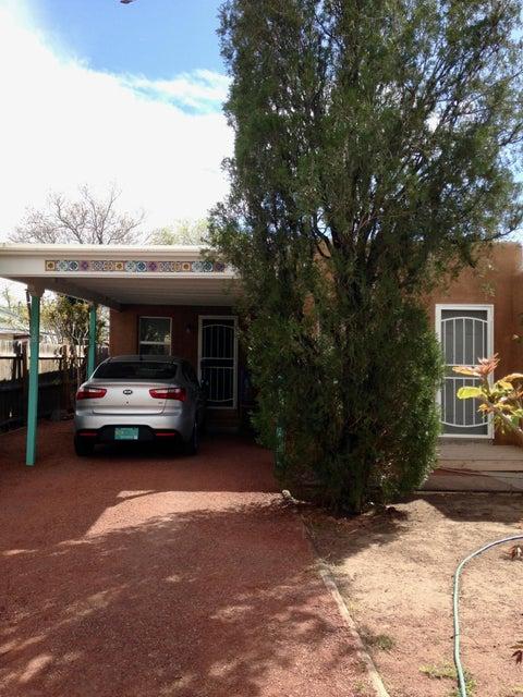 1018 Aztec Road NW, Albuquerque, NM 87107