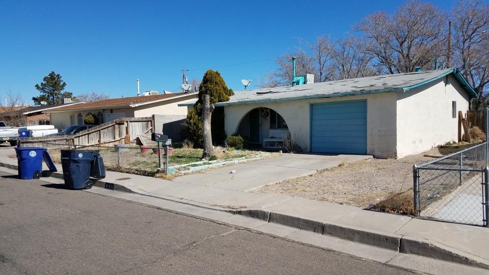 540 61St Street NW, Albuquerque, NM 87105