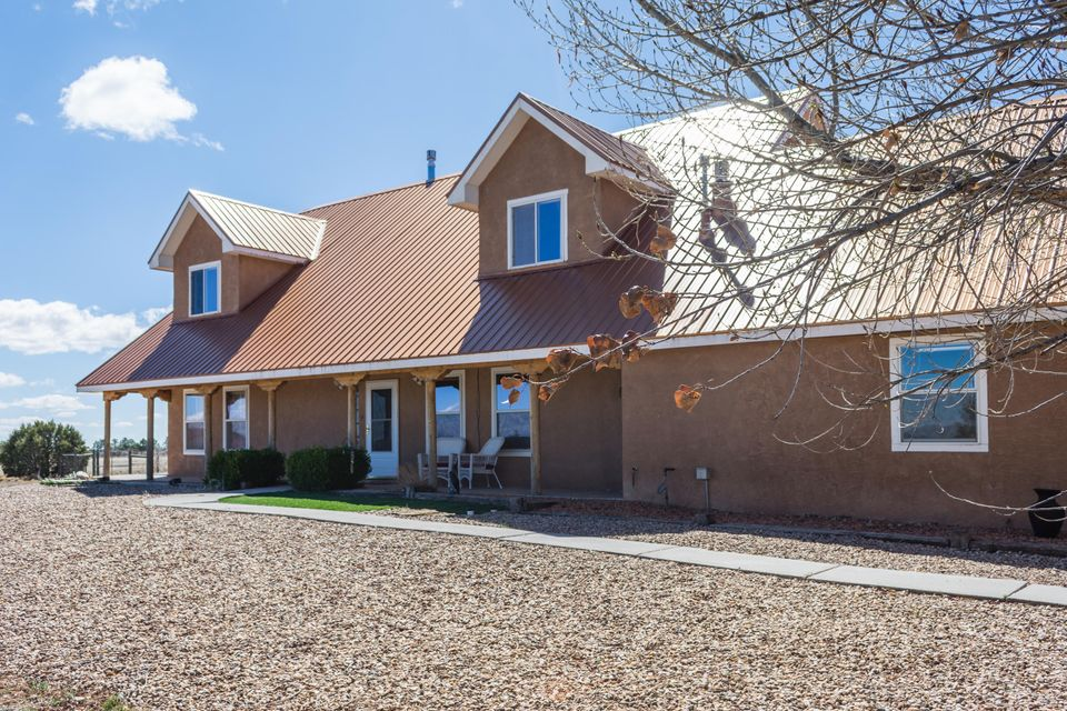86 Madole Road, Edgewood, NM 87015