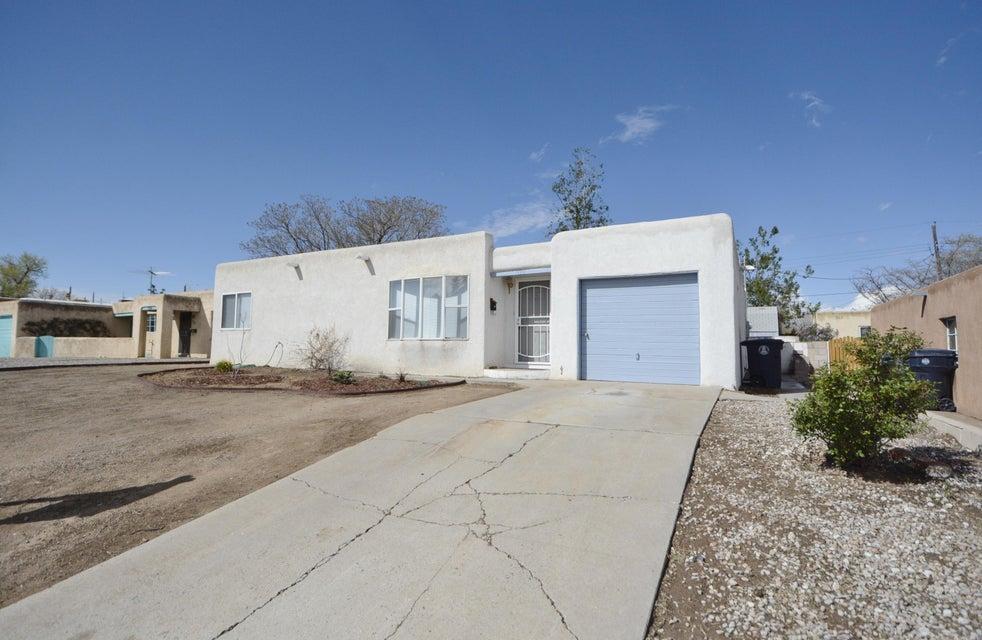 1733 Bryn Mawr Drive NE, Albuquerque, NM 87106