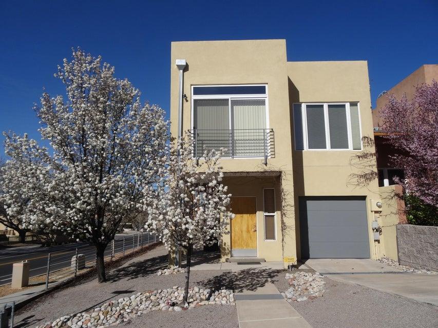 401 Ridge Place NE, Albuquerque, NM 87106