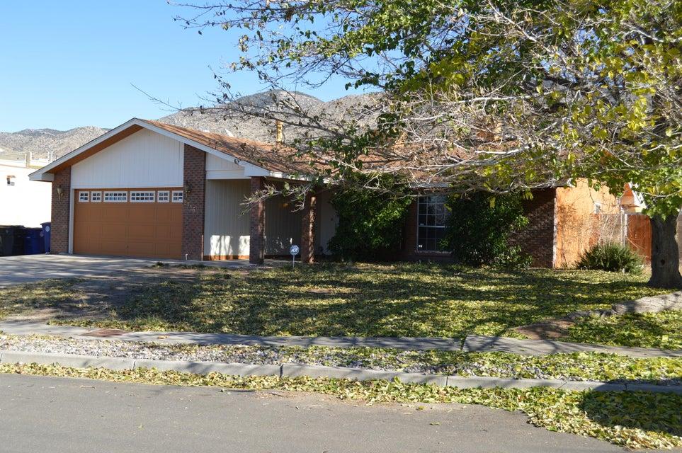 2716 La Charles Drive NE, Albuquerque, NM 87112