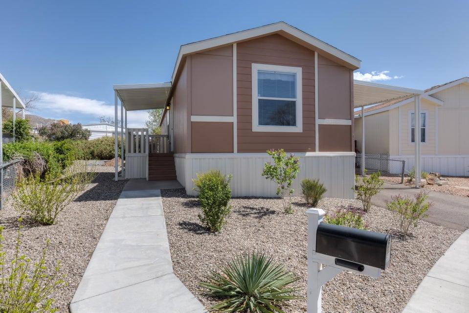 532 Doe Lane SE, Albuquerque, NM 87123