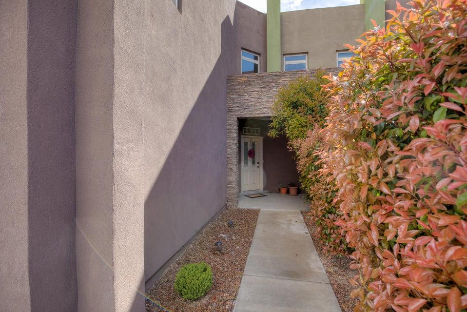 3404 Del Agua,Albuquerque,New Mexico,United States 87111,4 Bedrooms Bedrooms,4 BathroomsBathrooms,Residential,Del Agua,886980