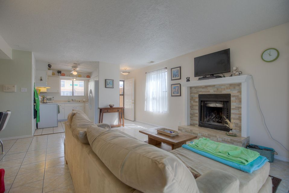 11910 Lombard,Albuquerque,New Mexico,United States 87123,2 Bedrooms Bedrooms,2 BathroomsBathrooms,Residential,Lombard,887913