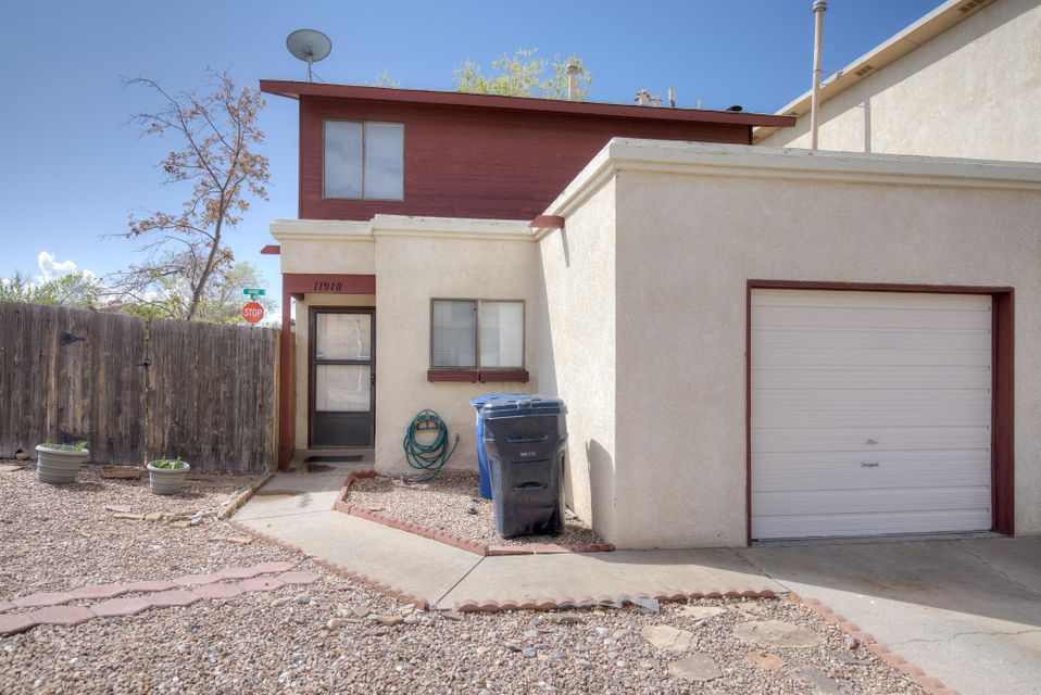 11910 Lombard Lane NE, Albuquerque, NM 87123