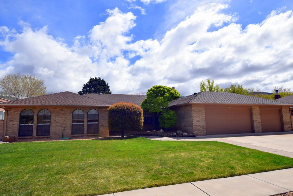 5808 Royal Oak Drive NE, Albuquerque, NM 87111