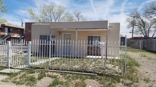 624 Chama Street SE, Albuquerque, NM 87108