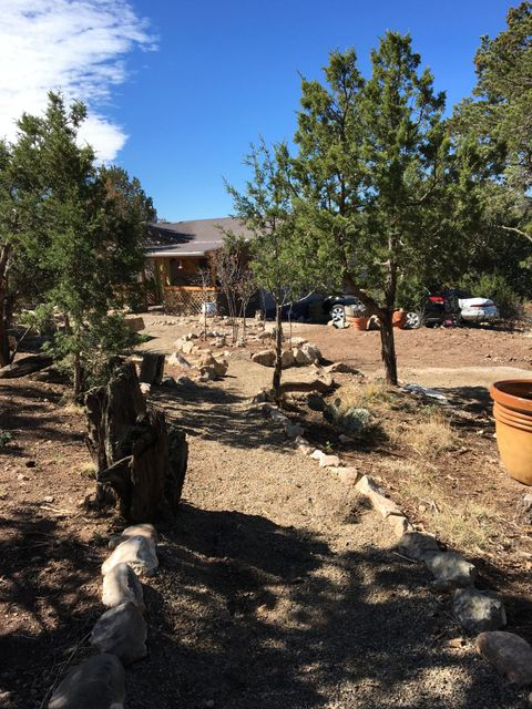13 Monica Lane, Edgewood, NM 87015
