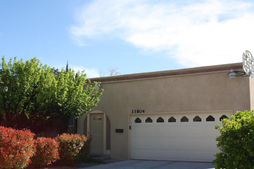 11804 Holiday Avenue NE, Albuquerque, NM 87111