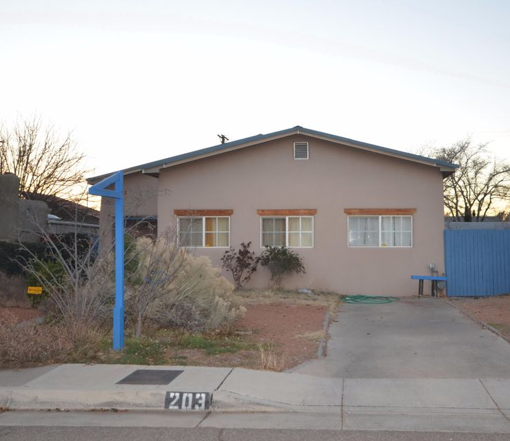 203 Aliso Drive NE, Albuquerque, NM 87108