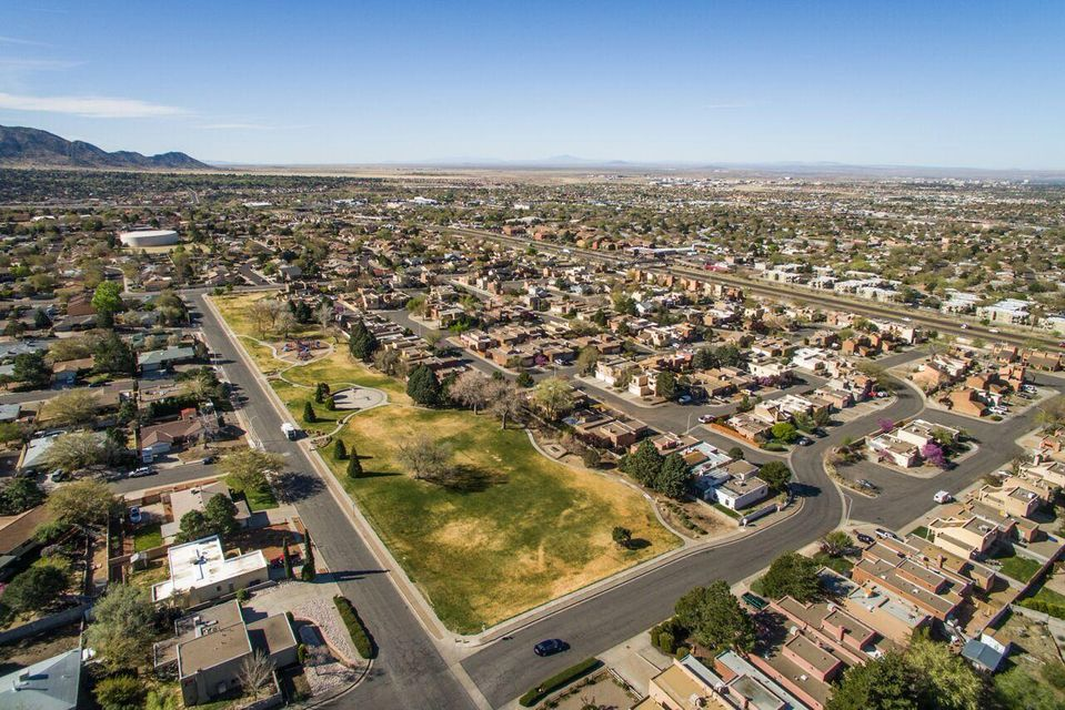 1004 Hope Place NE, Albuquerque, NM 87123