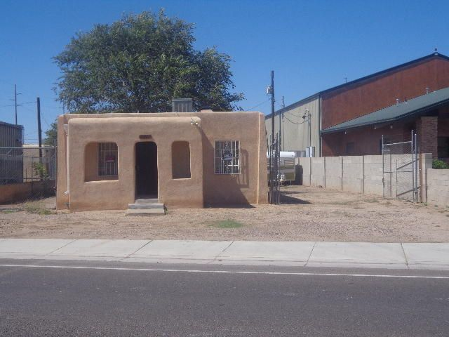 3001 2nd Street NW, Albuquerque, NM 87107