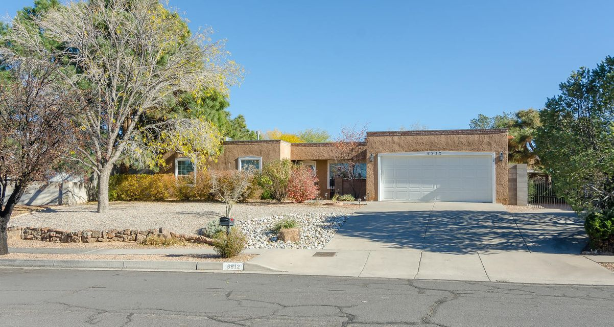 6912 Blossom Place NE, Albuquerque, NM 87111