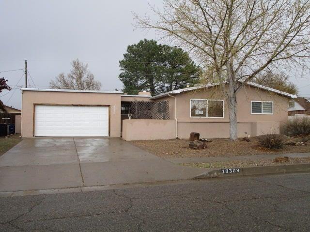 10309 Arvilla Avenue NE, Albuquerque, NM 87111