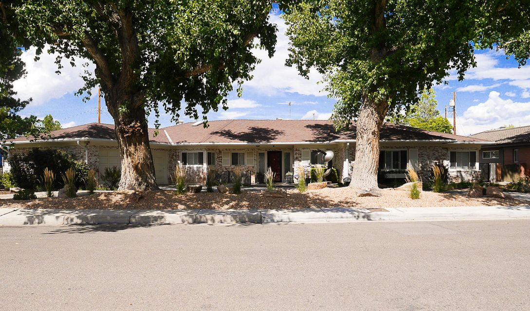 1713 Chacoma Place SW, Albuquerque, NM 87104