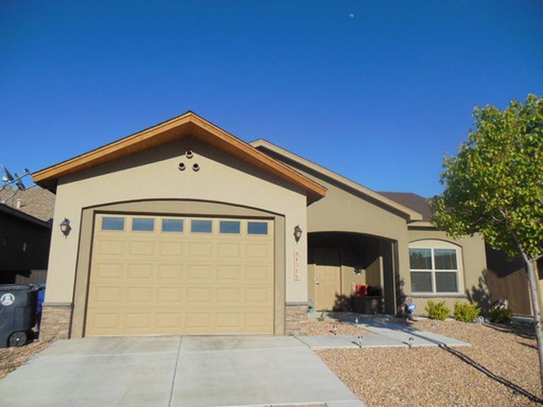 11028 Del Carmen Street NW, Albuquerque, NM 87114
