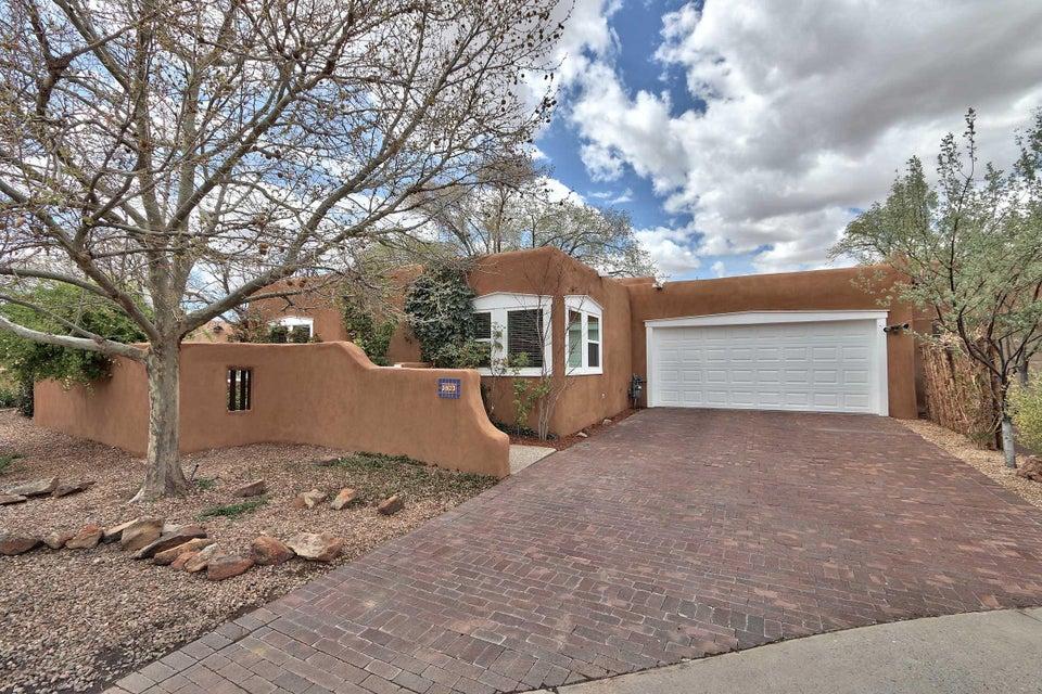 3823 Palacio Del Rio Grande NW, Albuquerque, NM 87107