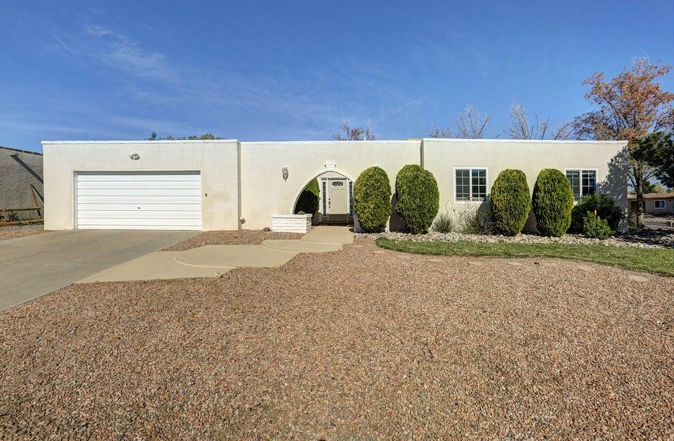 505 Villa Verde Drive SE, Rio Rancho, NM 87124