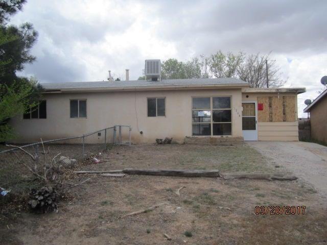 11704 Ralph Avenue NE, Albuquerque, NM 87112