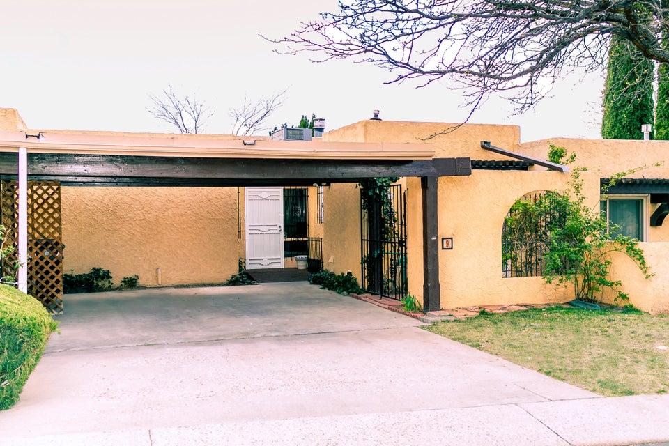 9 Casa Hermosa Drive NE, Albuquerque, NM 87112
