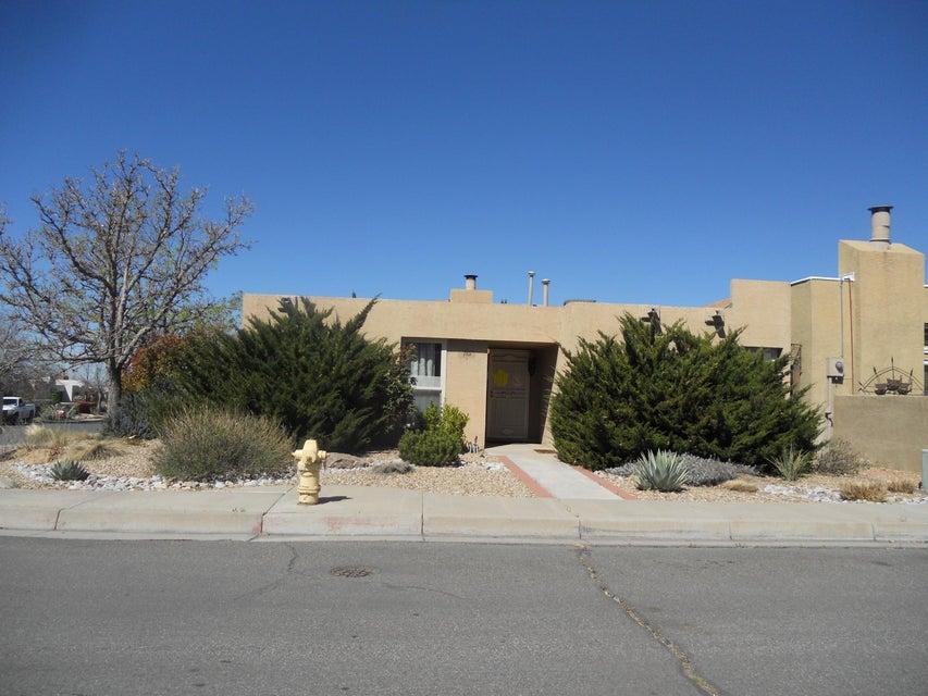 7101 Leslynne Drive NE, Albuquerque, NM 87109