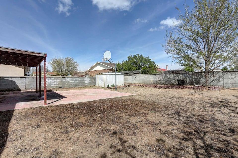 5717 Blue Pine Avenue NW, Albuquerque, NM 87120