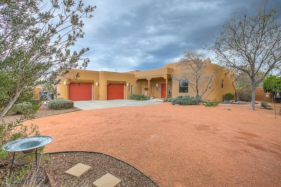 620 MONTOYA Street NW, Albuquerque, NM 87104