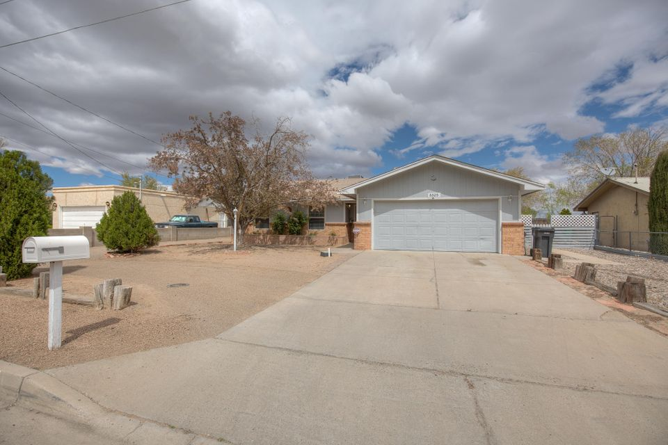 3325 20Th Avenue SE, Rio Rancho, NM 87124