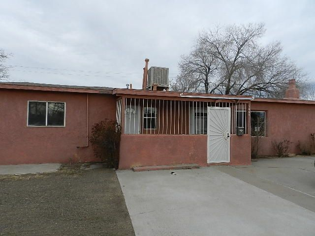 7445 Sky Court Circle NE, Albuquerque, NM 87110