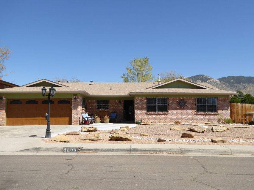 4800 Baja Court NE, Albuquerque, NM 87111