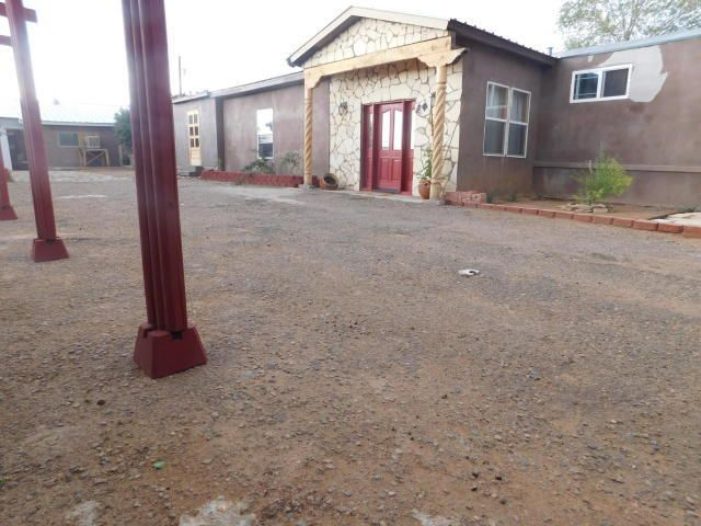 15 Manzano Lane, Los Lunas, NM 87031