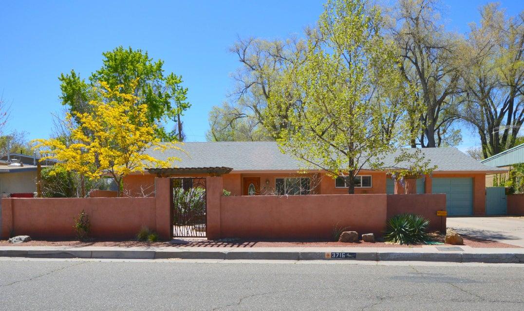 3716 Mackland Avenue NE, Albuquerque, NM 87110