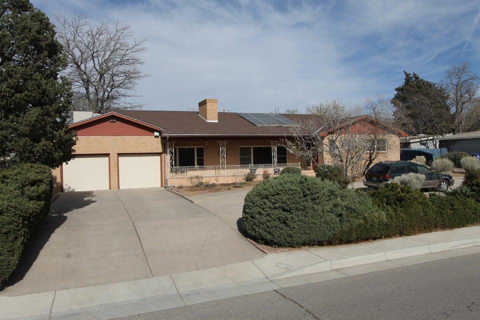 3807 La Hacienda Drive NE, Albuquerque, NM 87110